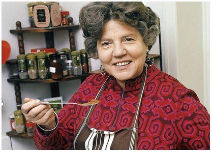 Ria Wägner , 1914-1999 , svensk författare och programledare i tv. 1974