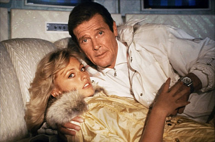 mary-stavin-roger-moore