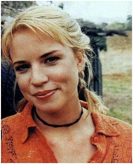 Jessica-Napier-Smil