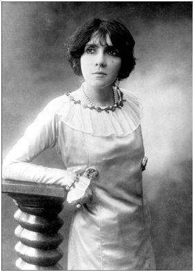 Eve Lavallière