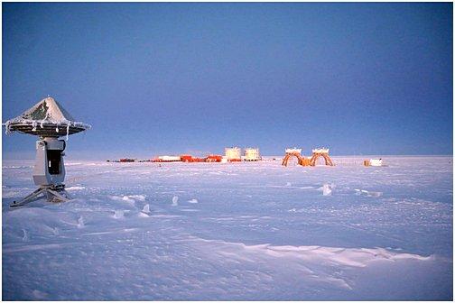 vaaPlateau Station (Antarktis)