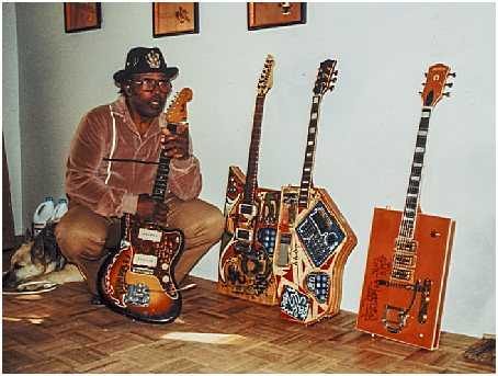 bo-diddley-with-guitars